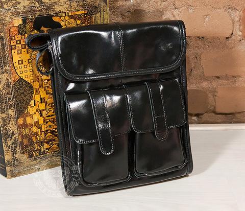 BAG392-1 Мужская сумка из черной лаковой кожи с ремнем на плечо
