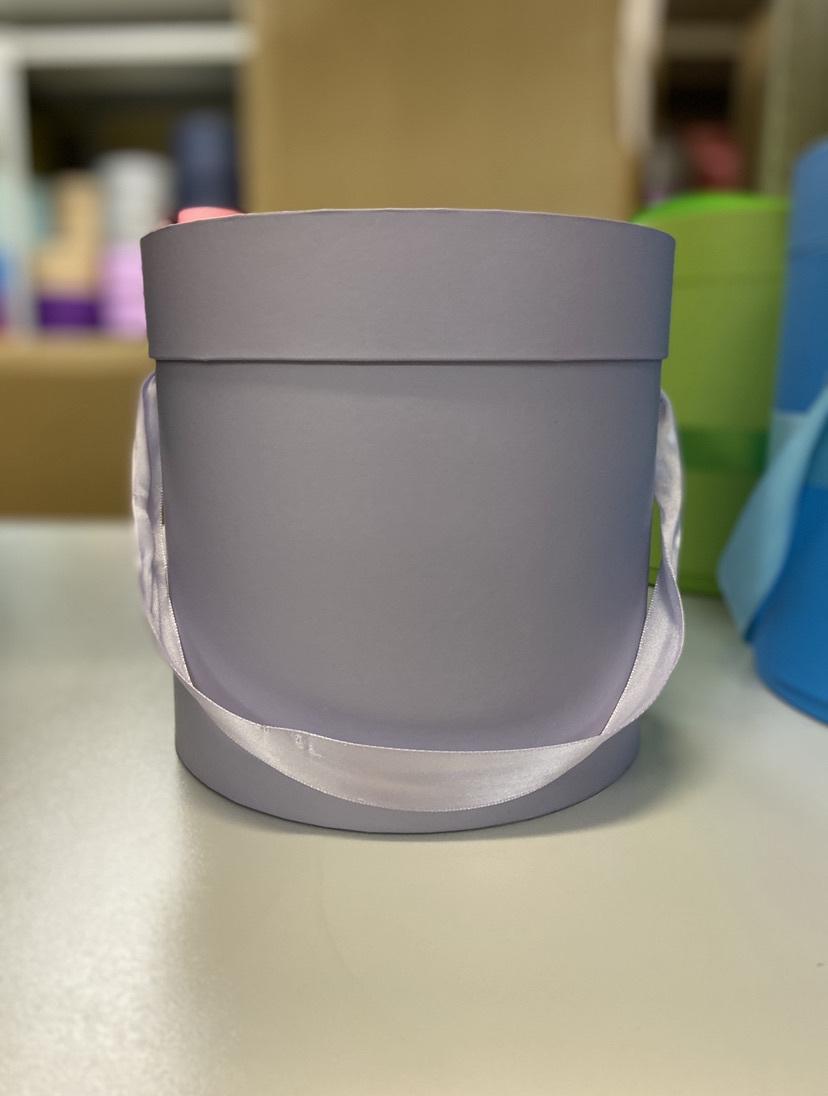 Шляпная коробка эконом вариант 22,5 см . Цвет: Светло серый. Розница 350 рублей .