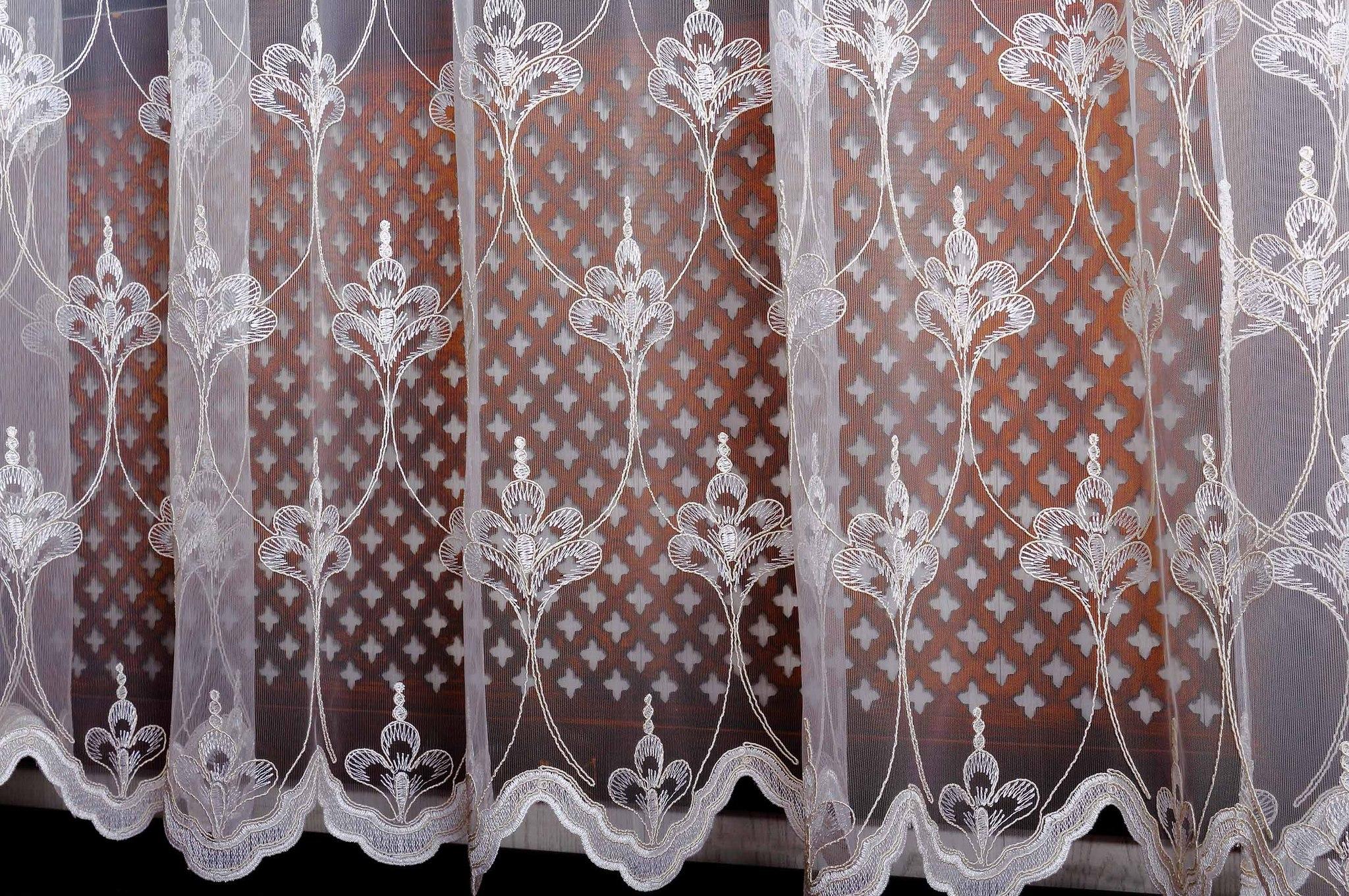 Готовая штора. Микросетка с вышивкой Корона (крем)