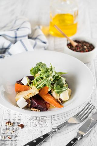 Салат с сыром Фета и запеченными овощами