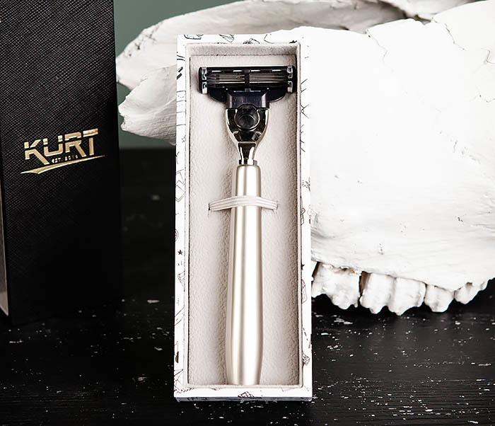 Kurt, Металлический станок для бритья с кассетой GILLETTE МАСН3 в коробке
