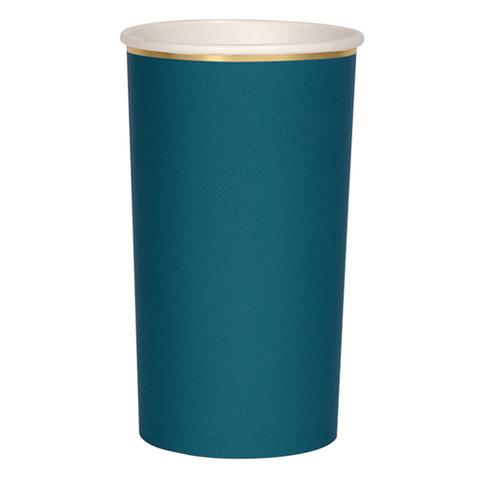 Большие темно-зеленые стаканы для коктейлей