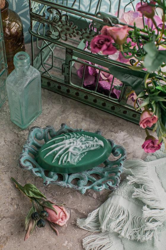 Мыло в форме дракона. Пластиковая форма для изготовления