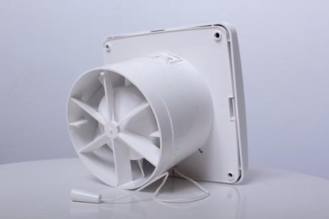 Blauberg Aero 150 H  Накладной вентилятор с датчиком влажности и таймером