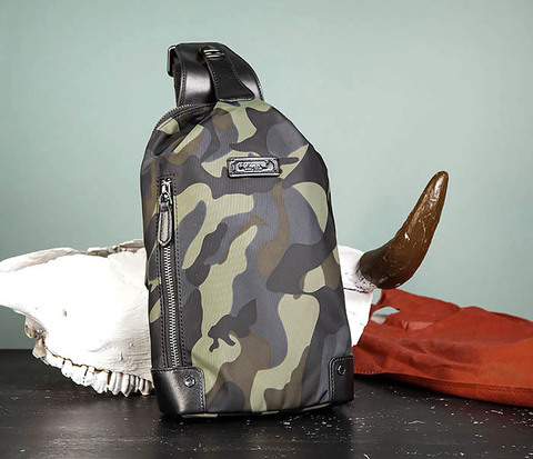 Тканевая мужская сумка «банан» с одной лямкой