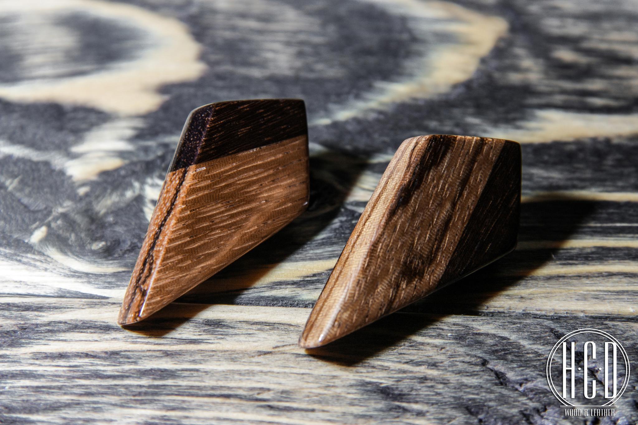 Деревянные серьги гвоздики