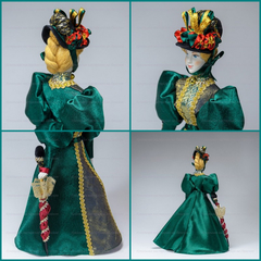 Анна - кукла в костюме 19 века