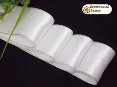 Лента атласная Люкс белая с люрексовой каймой 38 мм
