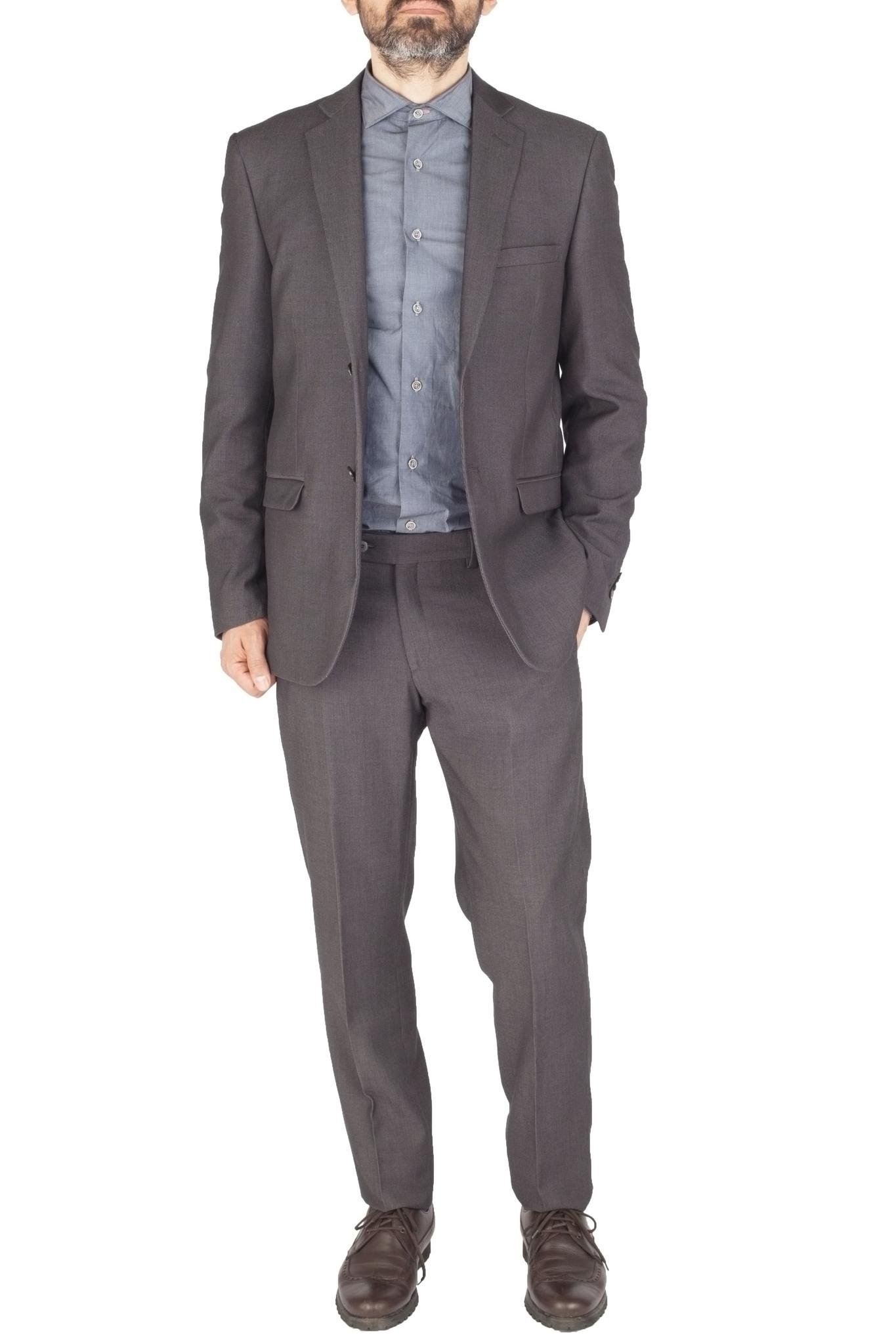 Серый шерстяной костюм в еле заметную полоску