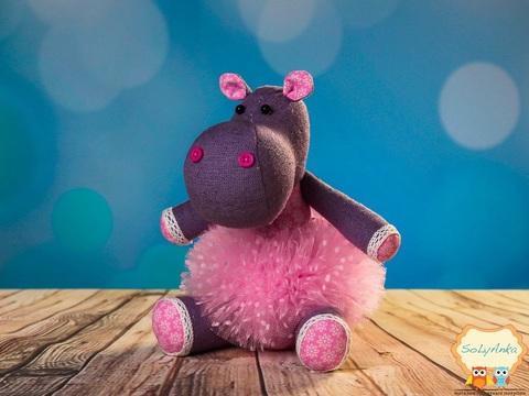 Бегемотик бузковий в рожевій пачці