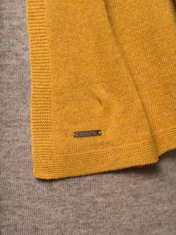 Женский шарф желтого цвета - фото 3