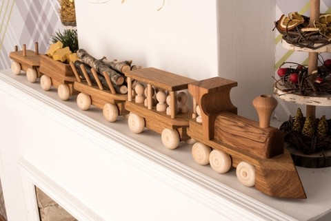 Деревянный паровоз