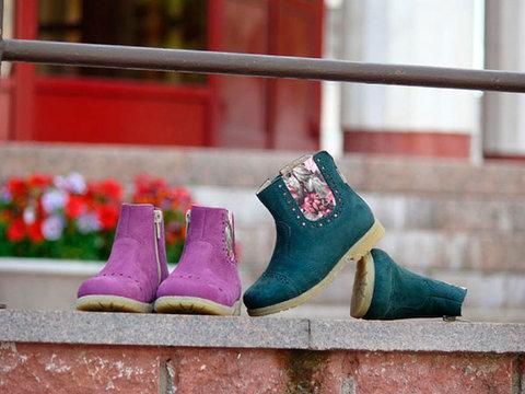 Полусапожки демисезонные для девочек Лель (LEL) из натуральной кожи на байке, цвет фиолетовый. Изображение 3 из 14.