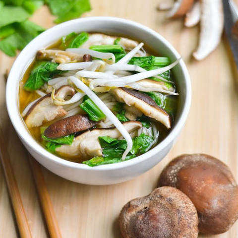 https://static-eu.insales.ru/images/products/1/5326/97596622/chinese_shiitake_soup.jpg