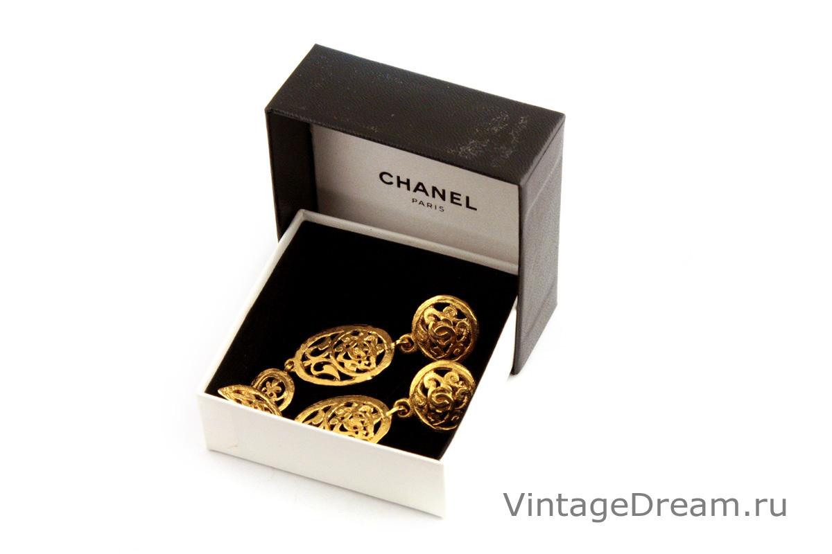 Красивые длинные клипсы от Chanel