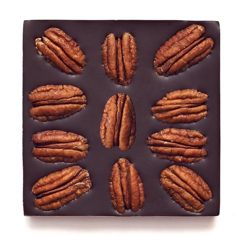 С орехом пекан, 72% какао