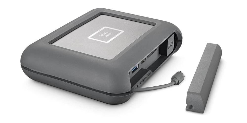 Внешний жесткий диск LaCie DJI Copilot USB 3.1 TYPE C Grey 2Tb открыта крышка