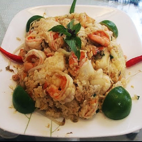 https://static-eu.insales.ru/images/products/1/5347/107132131/fried_rice_with_lychee.jpg