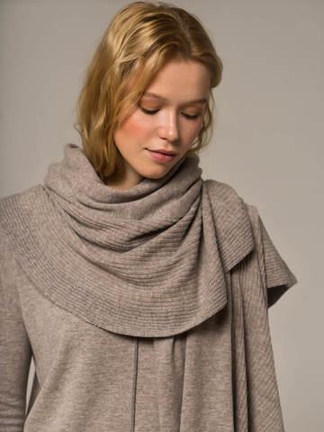 Женский шарф песочного цвета из шерсти и кашемира - фото 3
