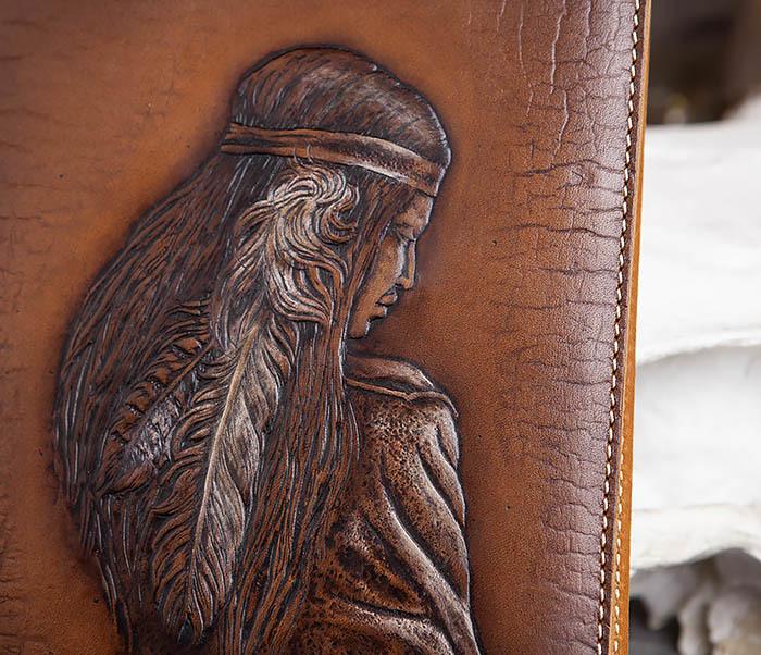 BY05-18-02 Кожаный ежедневник с изображением индианки (А5) фото 02