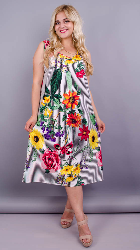 Море. Практична сукня великих розмірів. Квіти великі.