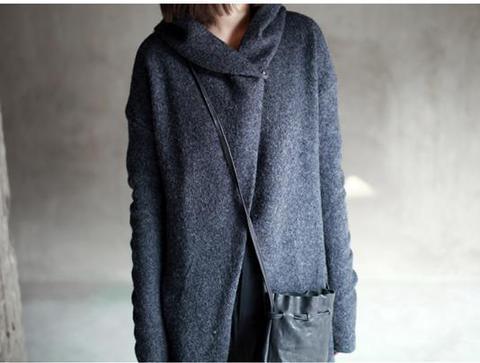 Женское пальто с капюшоном