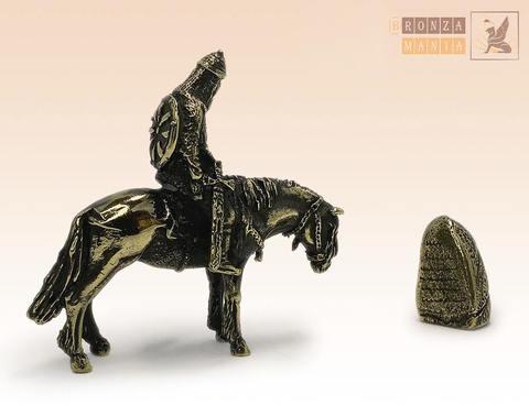 фигурка Богатырь Алеша Попович с камнем