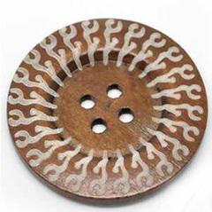 Пуговица 60 мм с орнаментом деревянная
