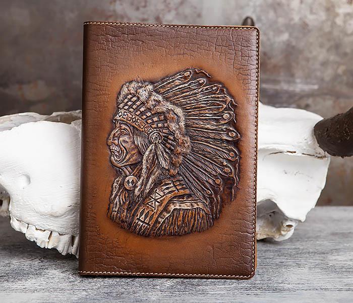 BY05-18-01 Подарочный кожаный ежедневник с изображением вождя индейца (А5)