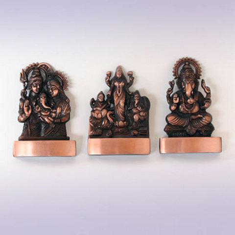 Фигурка божества 11х7 см. Легкий сплав, Индия.