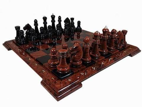 Шахматы из обсидиана в подарочной коробке