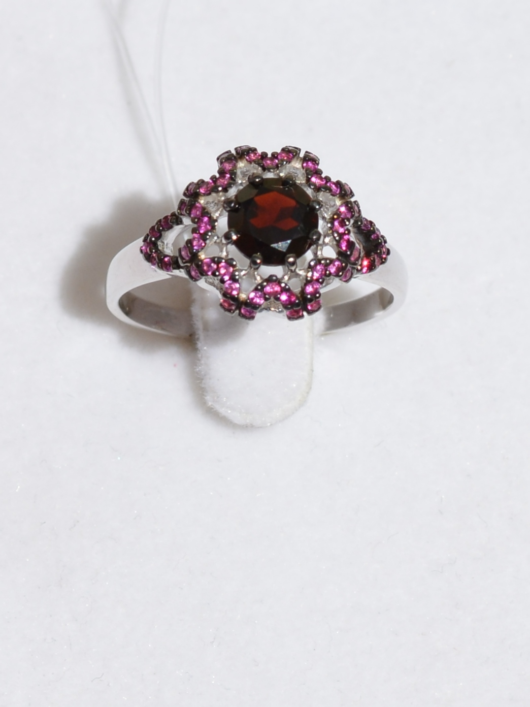 Звезда -гранат (кольцо из серебра)