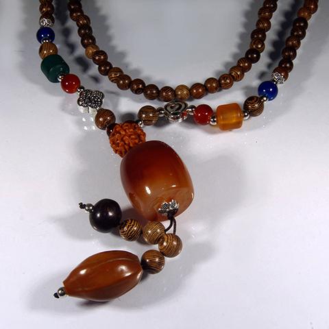 Ожерелье - защитный оберег дерево, Рудракша, Сердолик