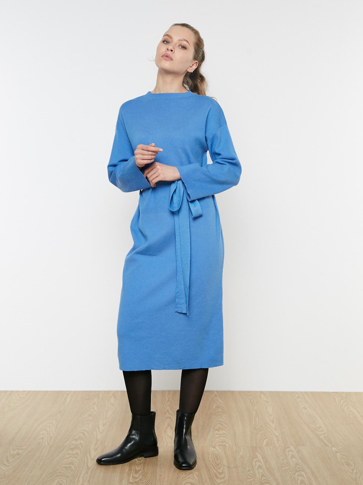 Платье трикотажное с поясом и прямым рукавом