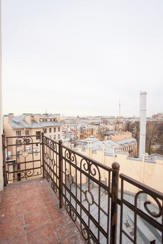 2-уровневая студия 30 кв м, м. Петроградская, Петроградский район
