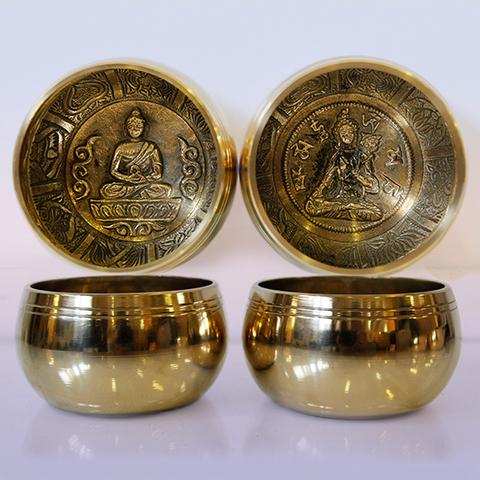 купить Чаша поющая GOLD 7 металлов с барельефом Восстановление ауры  (Индия) в Перми
