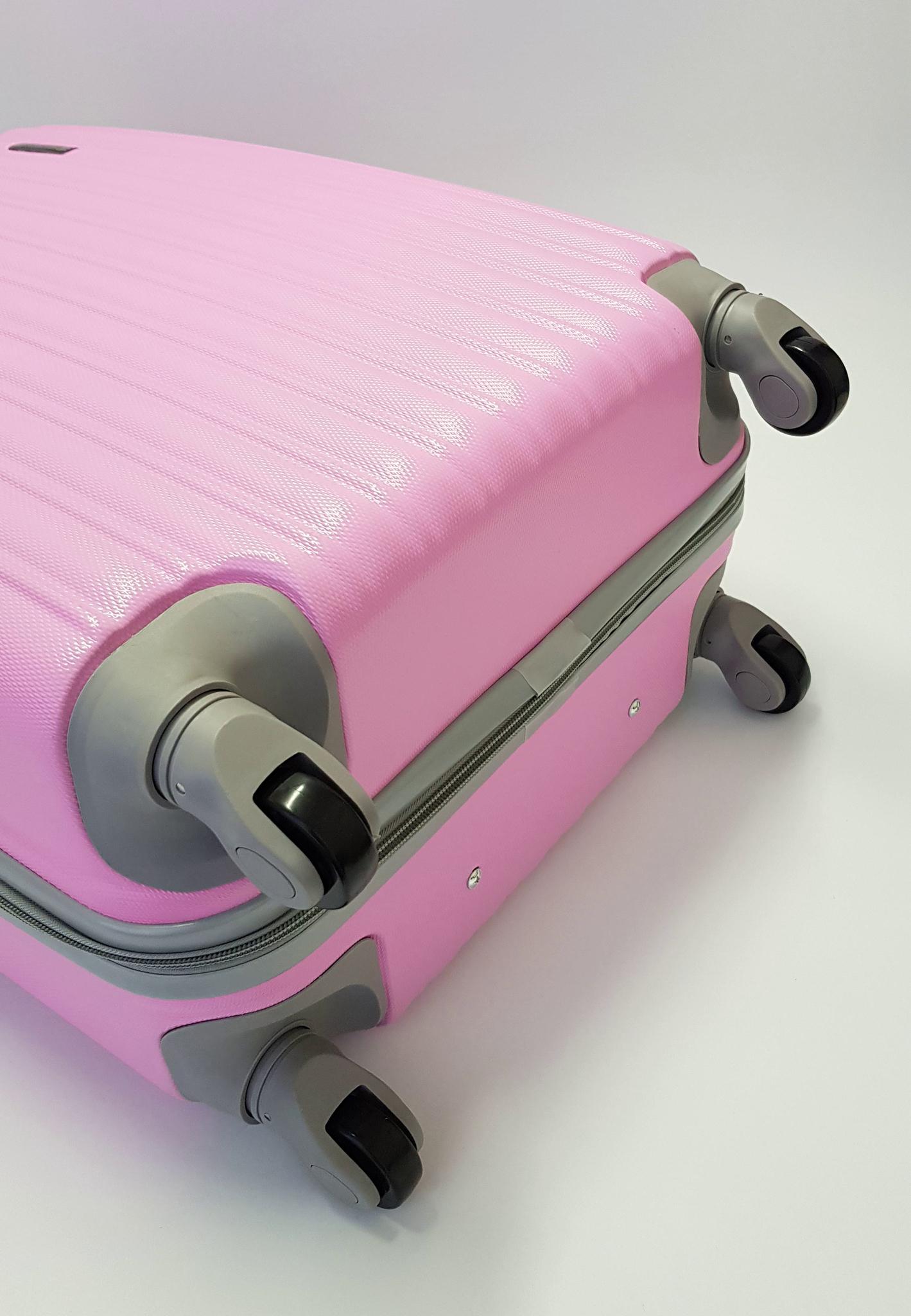 Чемодан Ananda APL-833 Розовый (S+)