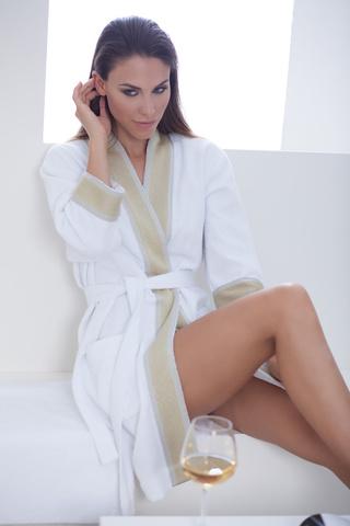 107e0d9a1873d Женские халаты домашние: шелковые махровые купить в интернет магазине —  Нежная одежда.ру