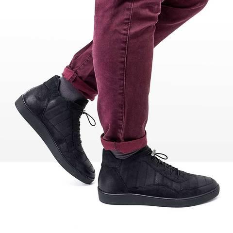 Черные мужские ботинки для холодной зимы с удобной шнуровкой