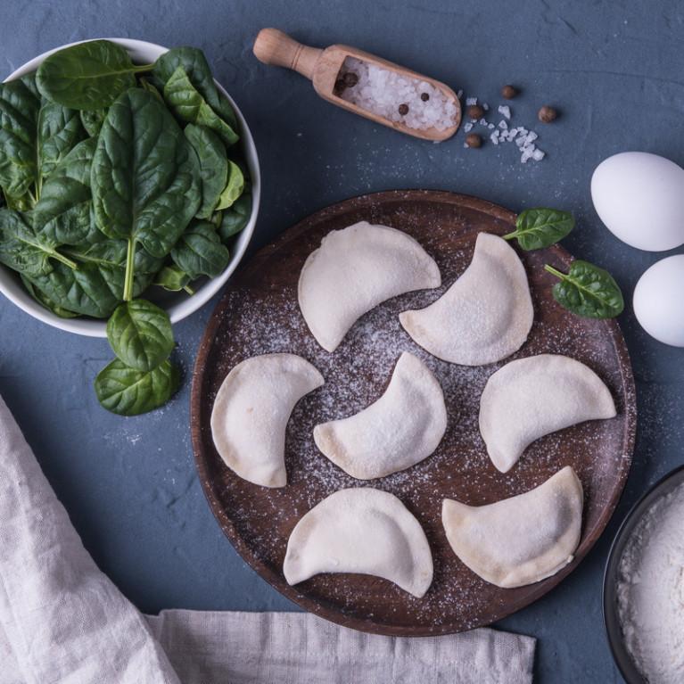 Фотография Вареники постные со шпинатом и чесноком 500 г /тонкое тесто/ купить в магазине Афлора