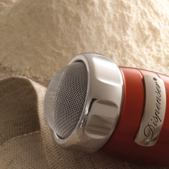 Marcato Dispenser red flour, sugar and cocoa sifter