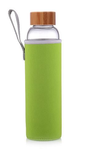 Бутылка из боросиликатного стекла 0,55 л. бамбуковая крышка зеленый чехол