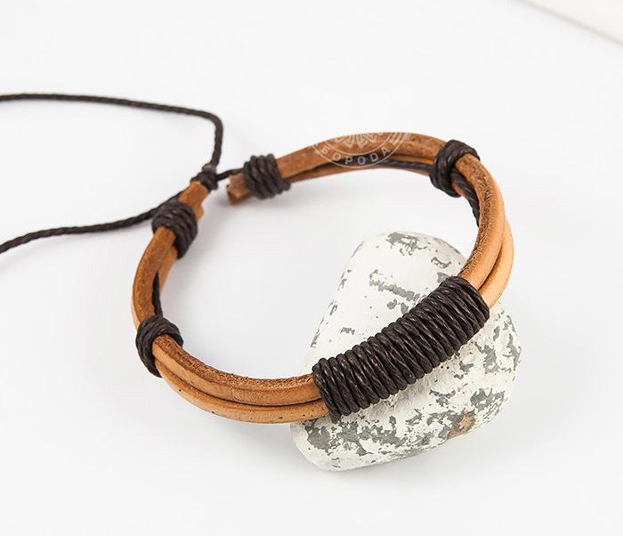 Spikes, Оригинальный мужской браслет «Spikes» на затяжках из натуральной кожи