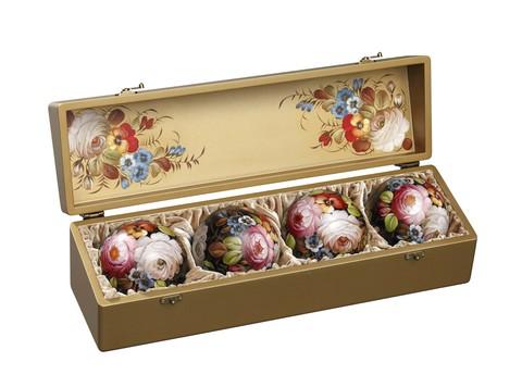 Набор из 4 елочных шаров в шкатулке 1524