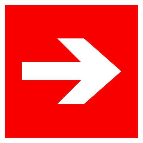 Знак пожарной безопасности - направляющая стрелка / знак F01-01