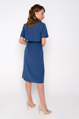 Хит сезона! Платье - рубашка из лёгкой ткани, по талии пояс-кулиска на шнурке. Ворот отложной на стойке. По переду планка на пуговицах. Длина: 44-50р - 113см