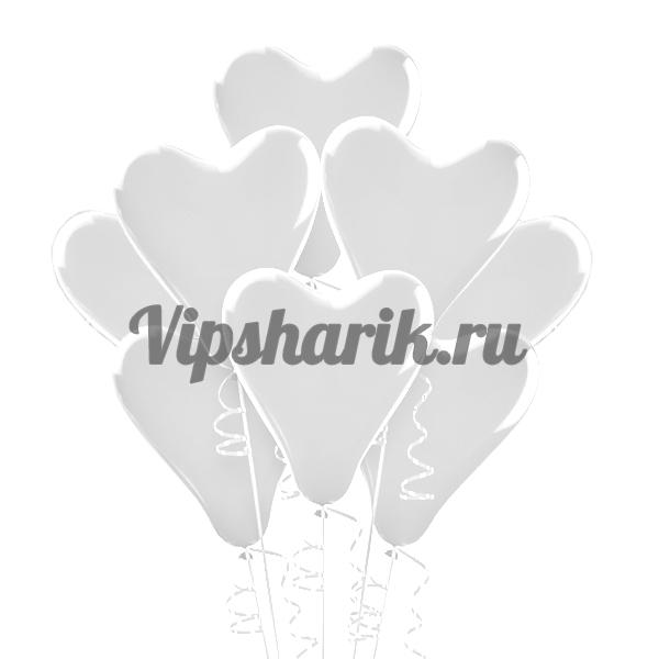 Шары в форме белых сердец