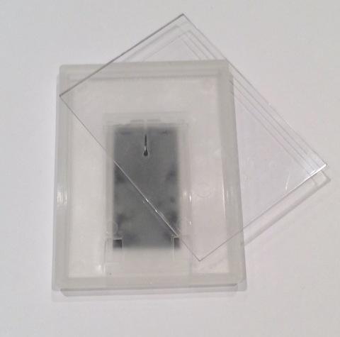 Рамка акриловая 57х78 мм с магнитом на ножке