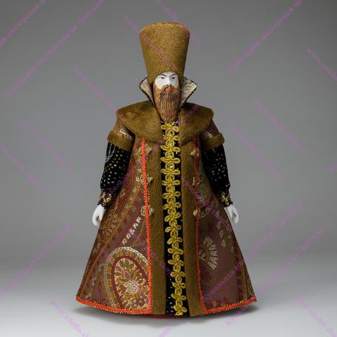 Боярин - кукла в русском костюме