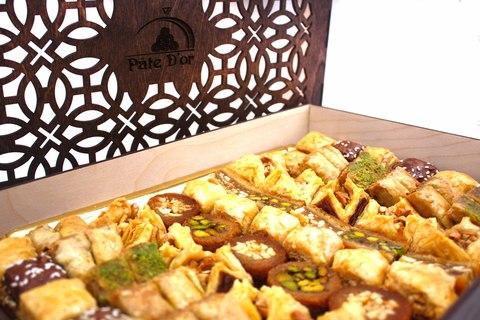 """Подарочное ассорти ливанских сладостей """"Сладкий ларец"""", 1 кг"""